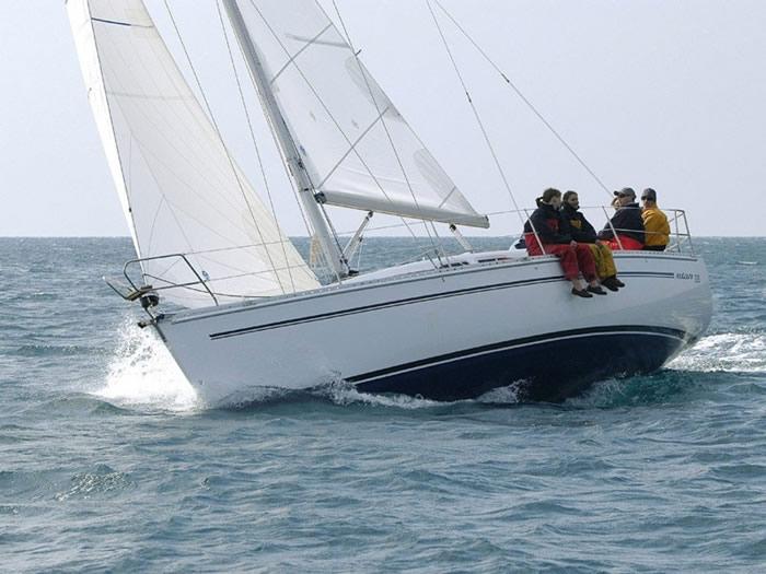 Navalia - Imbarcazione Elan 333 3