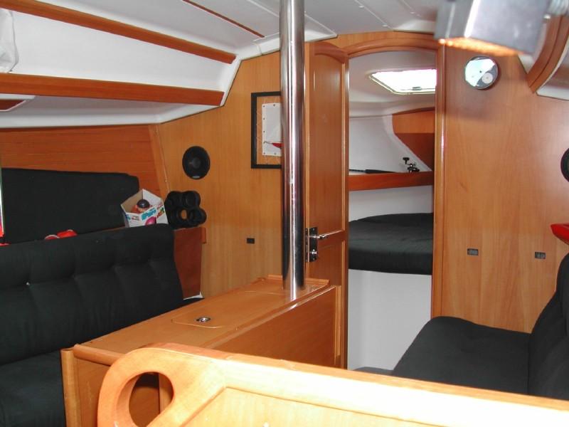 Navalia - Imbarcazione Elan 333 5