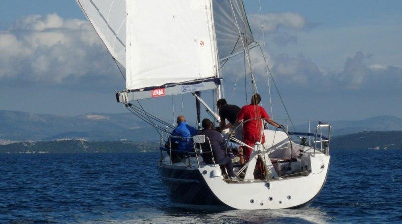 Navalia - Imbarcazione Elan 340 3