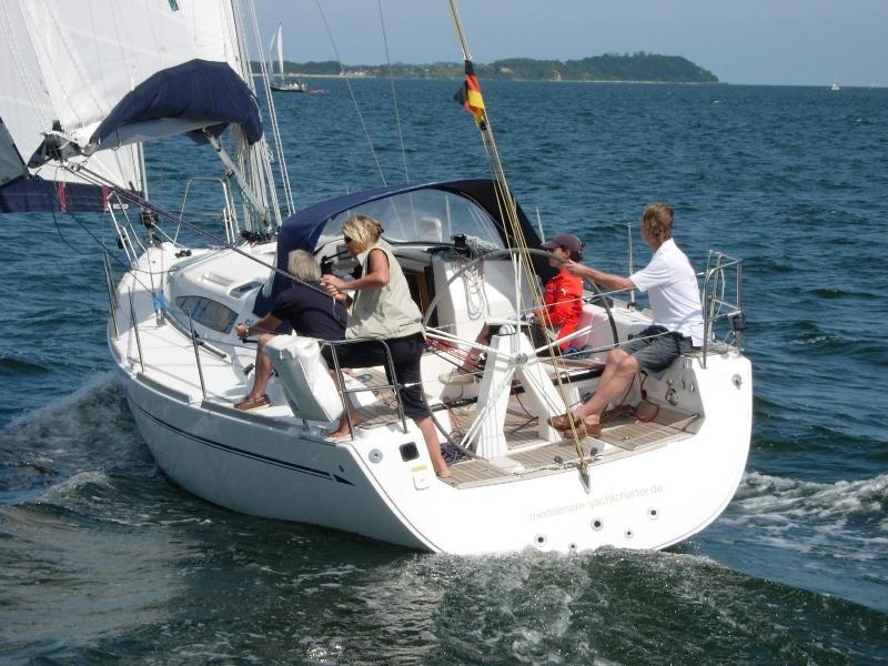 Navalia - Imbarcazione Elan 340 4