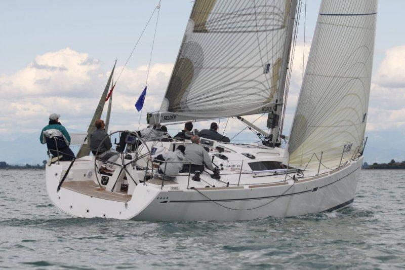 Navalia - Imbarcazione Elan 410 2