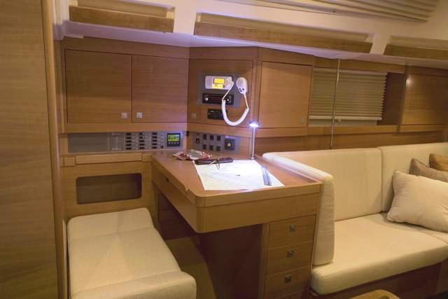 Navalia - Imbarcazione Elan 410 7