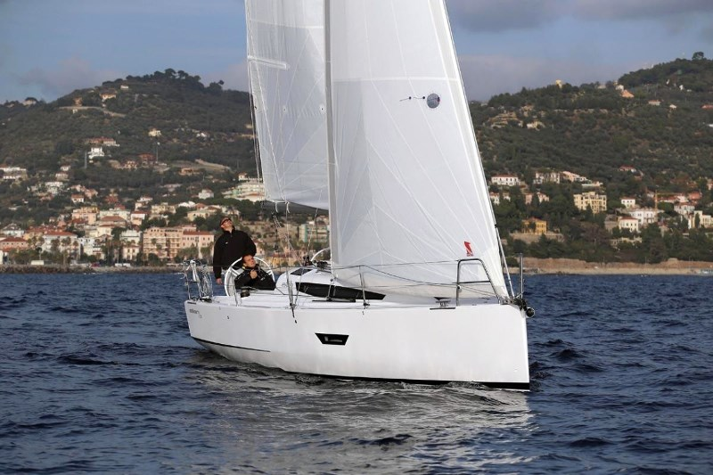 Navalia - Imbarcazione Elan E3 2
