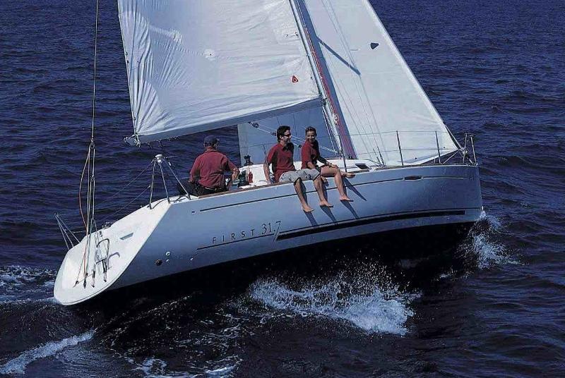 Navalia - Imbarcazione First 31.7 2