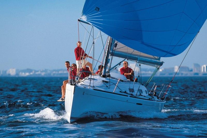 Navalia - Imbarcazione First 36.7 3