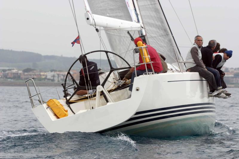 Navalia - Imbarcazione First 40.7 4