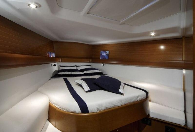 Navalia - Imbarcazione Grand Soleil 43 8
