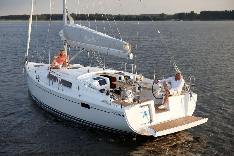 Navalia - Imbarcazione Hanse 385 2