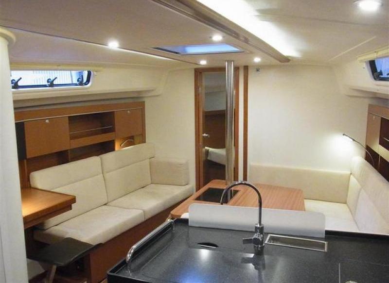 Navalia - Imbarcazione Hanse 385 8