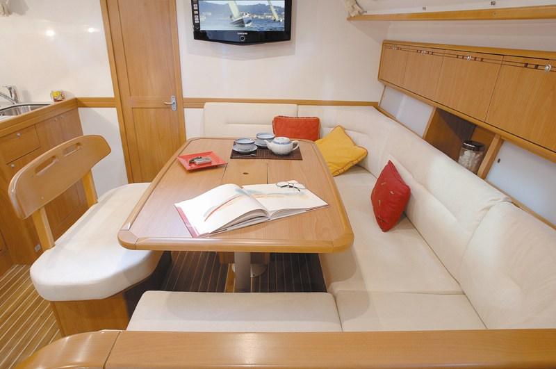 Navalia - Imbarcazione Harmony 47 4