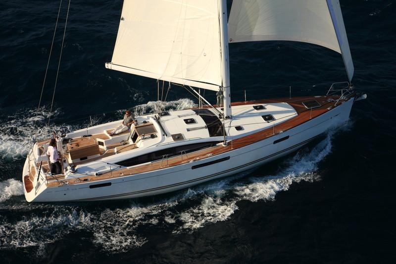 Navalia - Imbarcazione Jeanneau 53 1