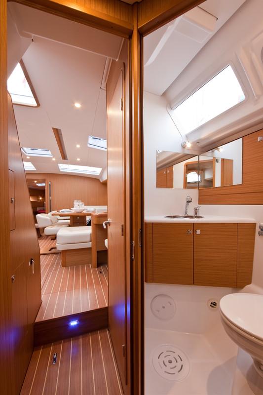 Navalia - Imbarcazione Jeanneau 53 10