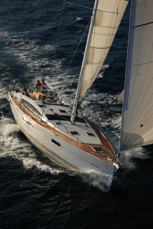 Navalia - Imbarcazione Jeanneau 53 2