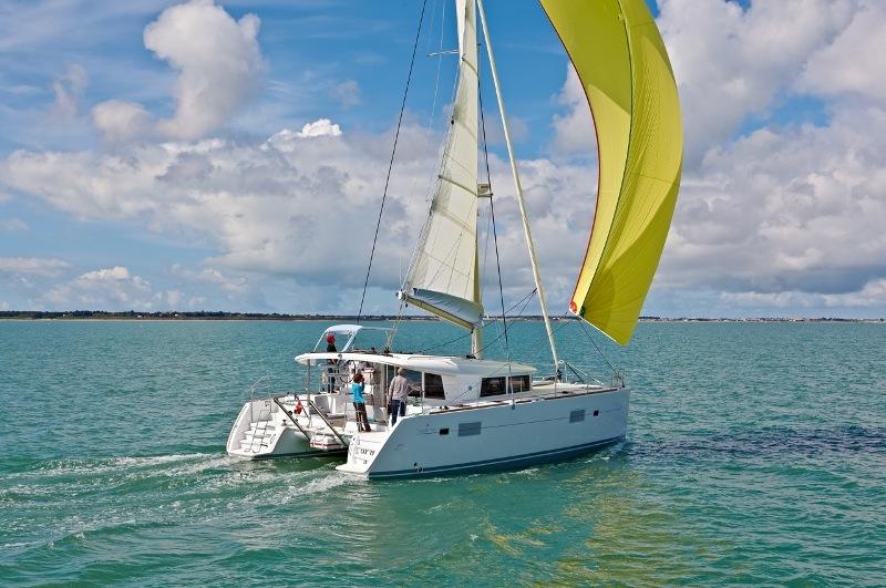Navalia - Imbarcazione Lagoon 400 1