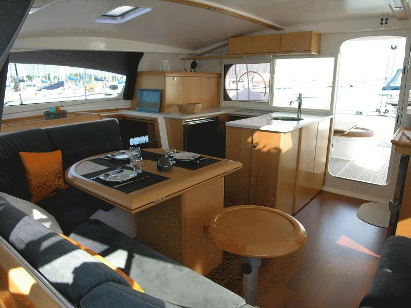 Navalia - Imbarcazione Nautitech 441 5