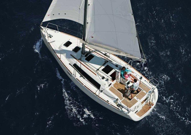 Navalia - Imbarcazione Oceanis 31 2