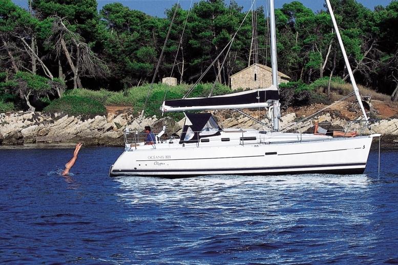 Navalia - Imbarcazione Oceanis 323 2