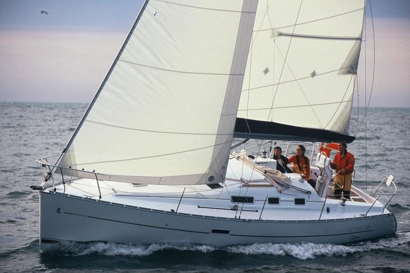 Navalia - Imbarcazione Oceanis 323 3