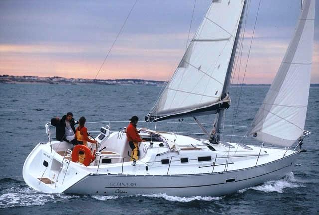 Navalia - Imbarcazione Oceanis 323 4