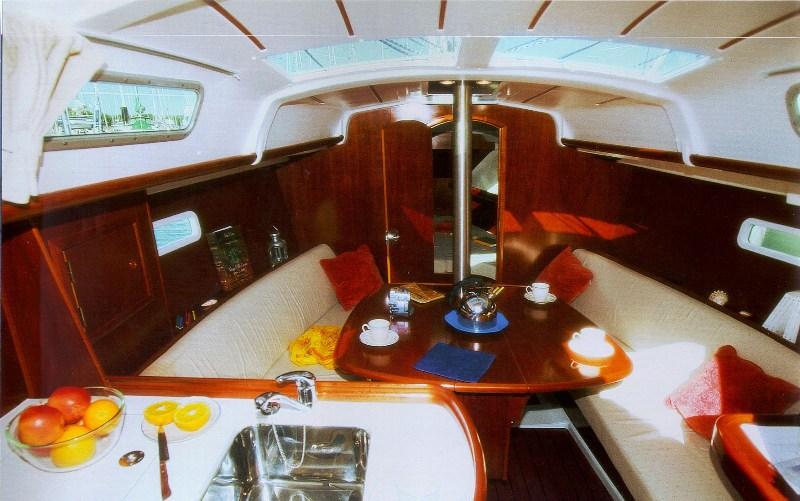 Navalia - Imbarcazione Oceanis 323 5