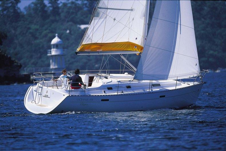 Navalia - Imbarcazione Oceanis 331 1