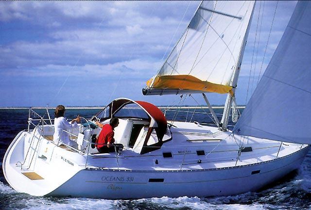 Navalia - Imbarcazione Oceanis 331 2