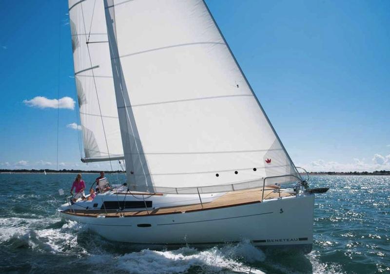 Navalia - Imbarcazione Oceanis 37 2