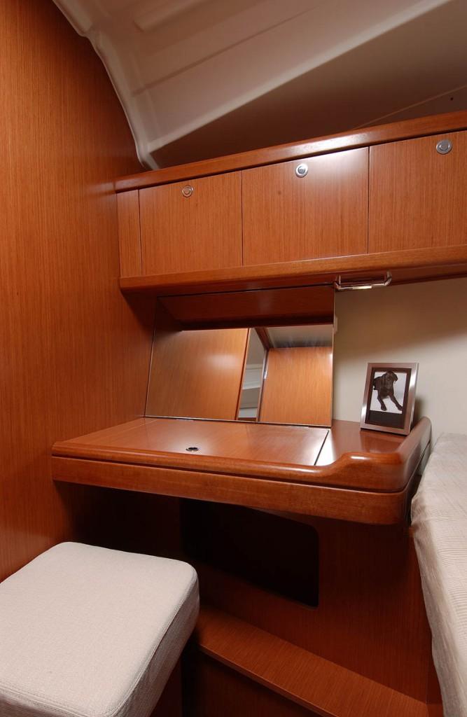 Navalia - Imbarcazione Oceanis 37 8