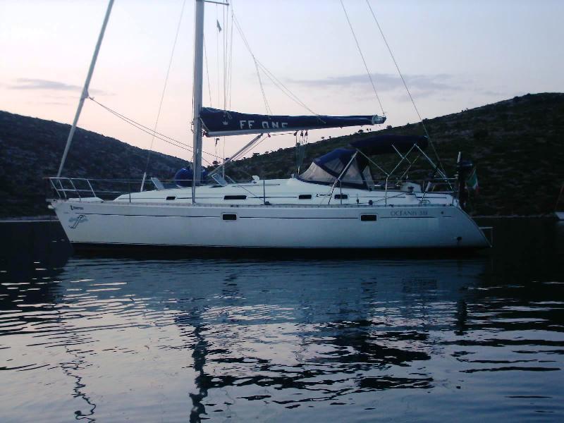 Navalia - Imbarcazione Oceanis 381 1