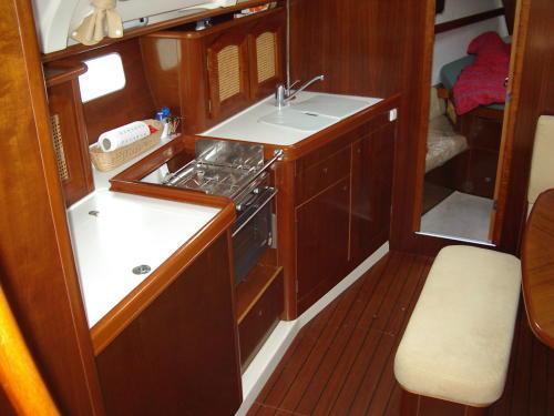 Navalia - Imbarcazione Oceanis 381 7