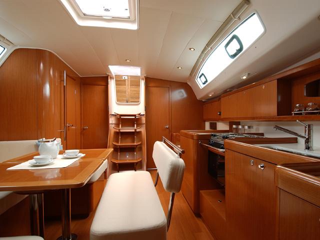 Navalia - Imbarcazione Oceanis 43 7
