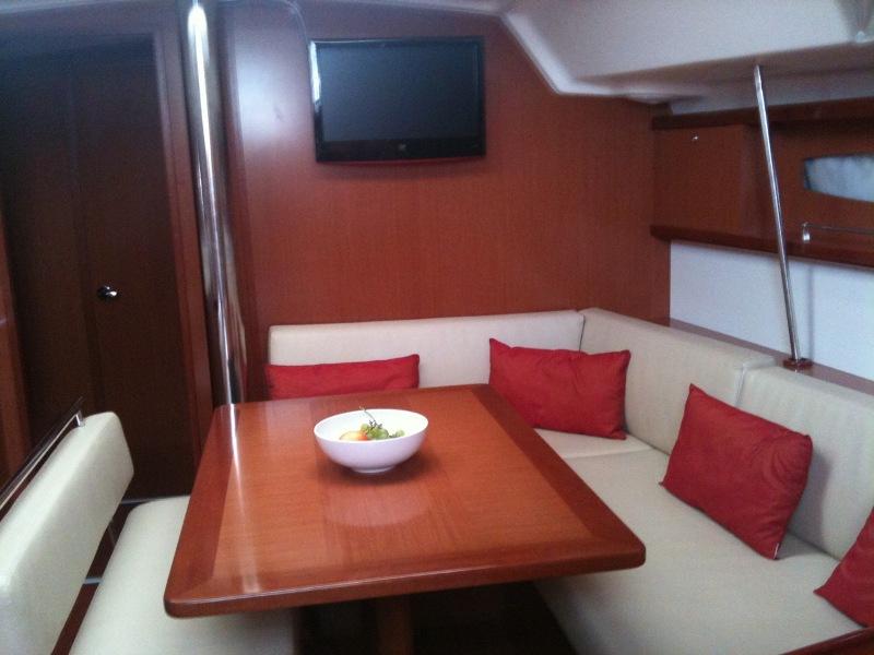 Navalia - Imbarcazione Oceanis 46 9