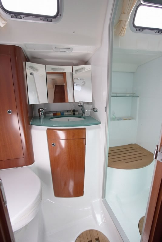 Navalia - Imbarcazione Oceanis 523 10