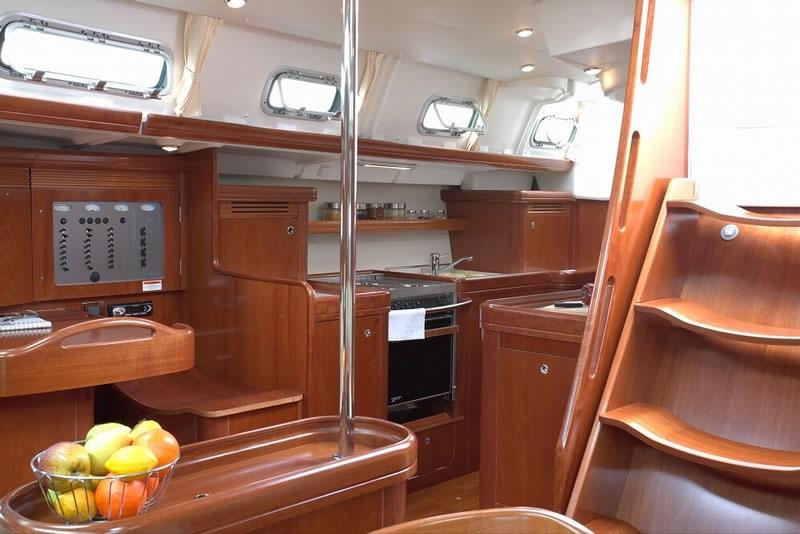 Navalia - Imbarcazione Oceanis 523 8