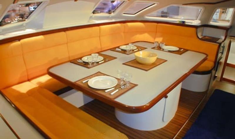 Navalia - Imbarcazione Outremer 55 9