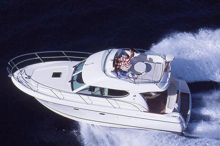 Navalia - Imbarcazione Prestige 32 Fly 2