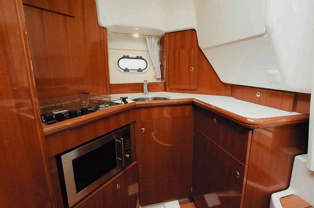 Navalia - Imbarcazione Prestige 32 Fly 9