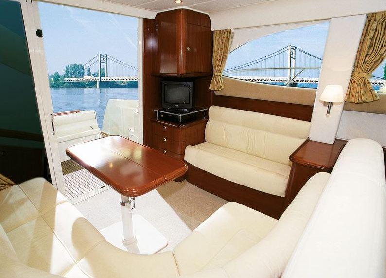 Navalia - Imbarcazione Prestige 36 Fly 6