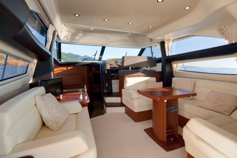 Navalia - Imbarcazione Prestige 440 5
