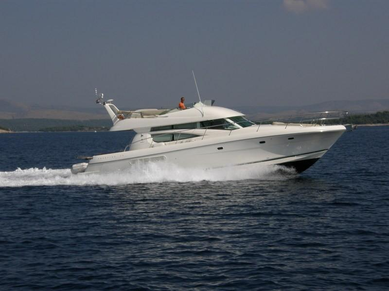 Navalia - Imbarcazione Prestige 46 Fly 2
