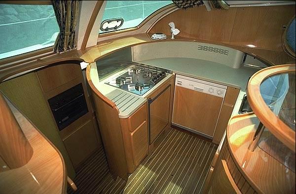 Navalia - Imbarcazione Privilege 465 6