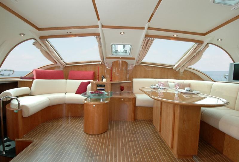 Navalia - Imbarcazione Privilege 495 4