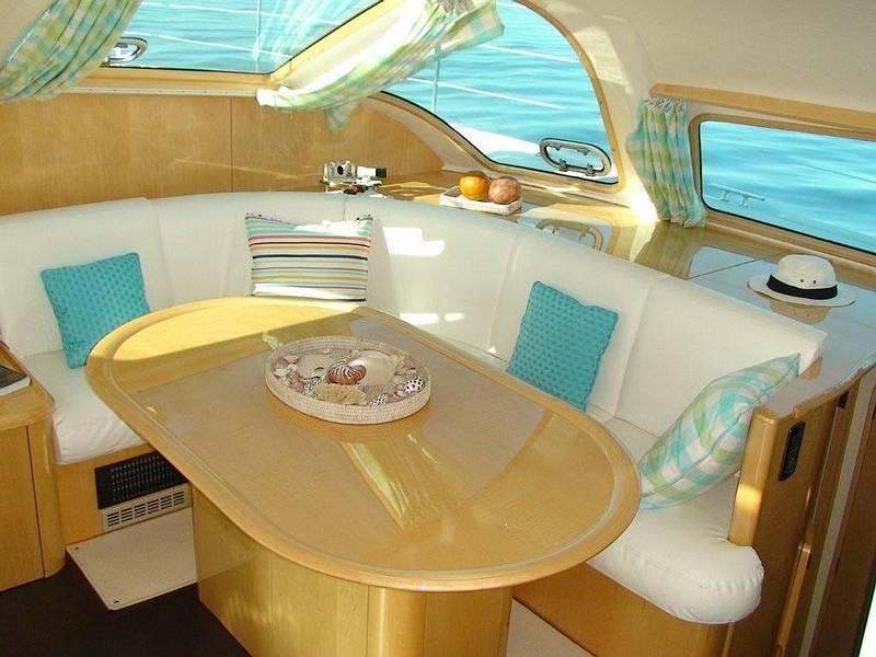 Navalia - Imbarcazione Privilege 495 9