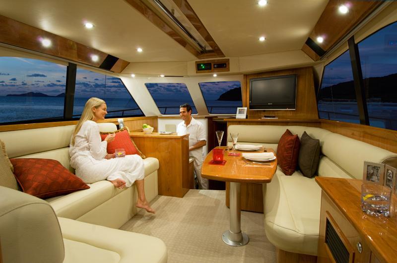 Navalia - Imbarcazione Riviera 42 5
