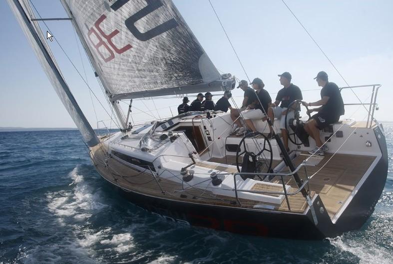 Navalia - Imbarcazione Salona 38 3