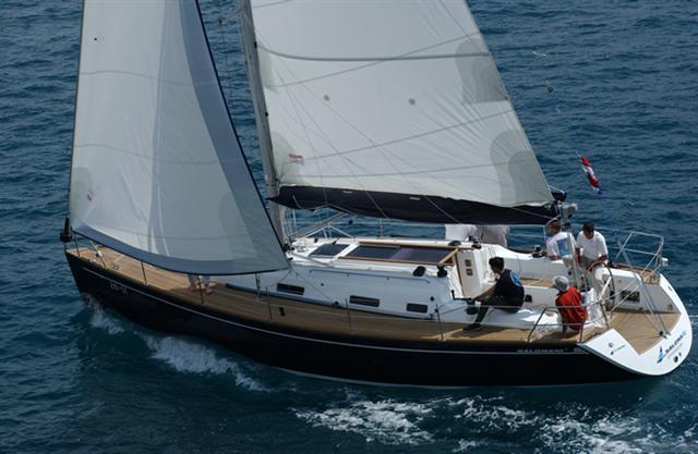 Navalia - Imbarcazione Salona 40 4