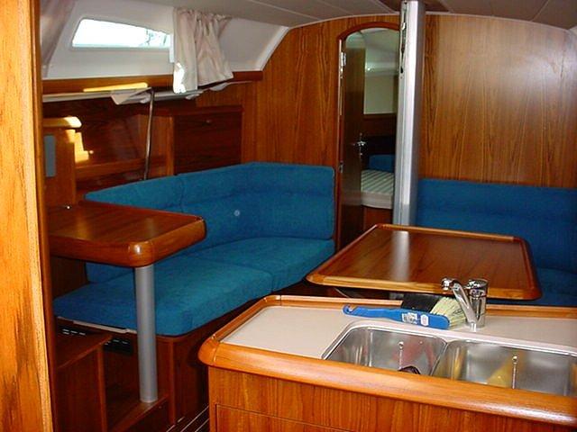 Navalia - Imbarcazione Sun Fast 37 8
