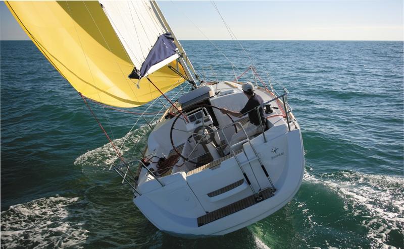 Navalia - Imbarcazione Sun Odyssey 30i 3