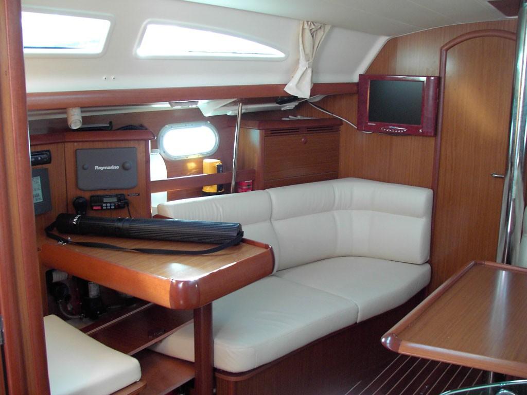 Navalia - Imbarcazione Sun Odyssey 37 7