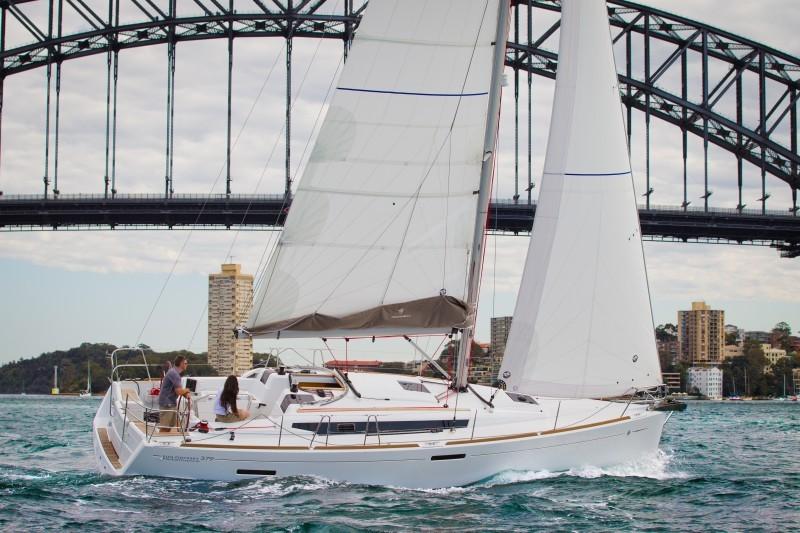 Navalia - Imbarcazione Sun Odyssey 379 5